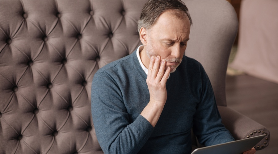 WHAT ARE SOME REASONS FOR JAW PAIN?